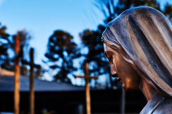 The Holy Mother leads us always to her son Jesus Christ